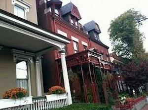 UtS 14 Photos Essays Doyle Houses.Close Together (upsized to 390 percent)